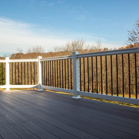 deck with vinyl railings