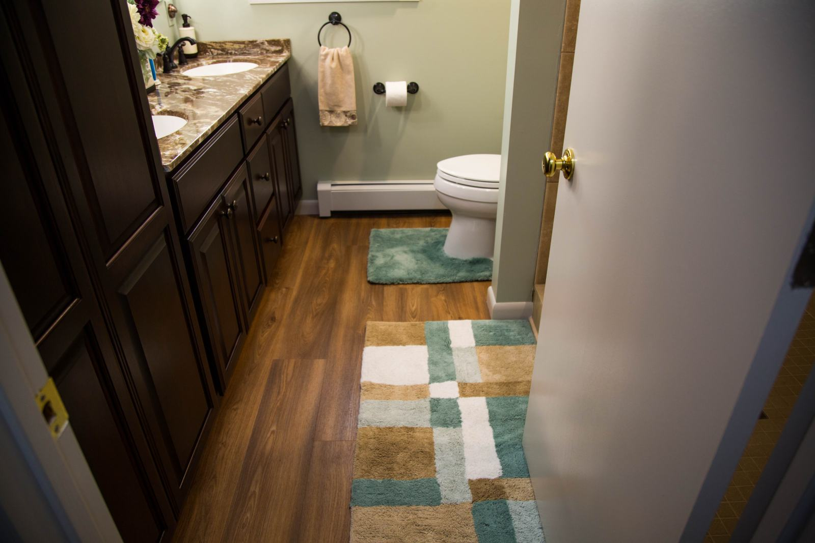 small bathroom after remodeling