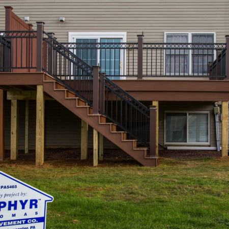 4 Benefits of Replacing Your Deck
